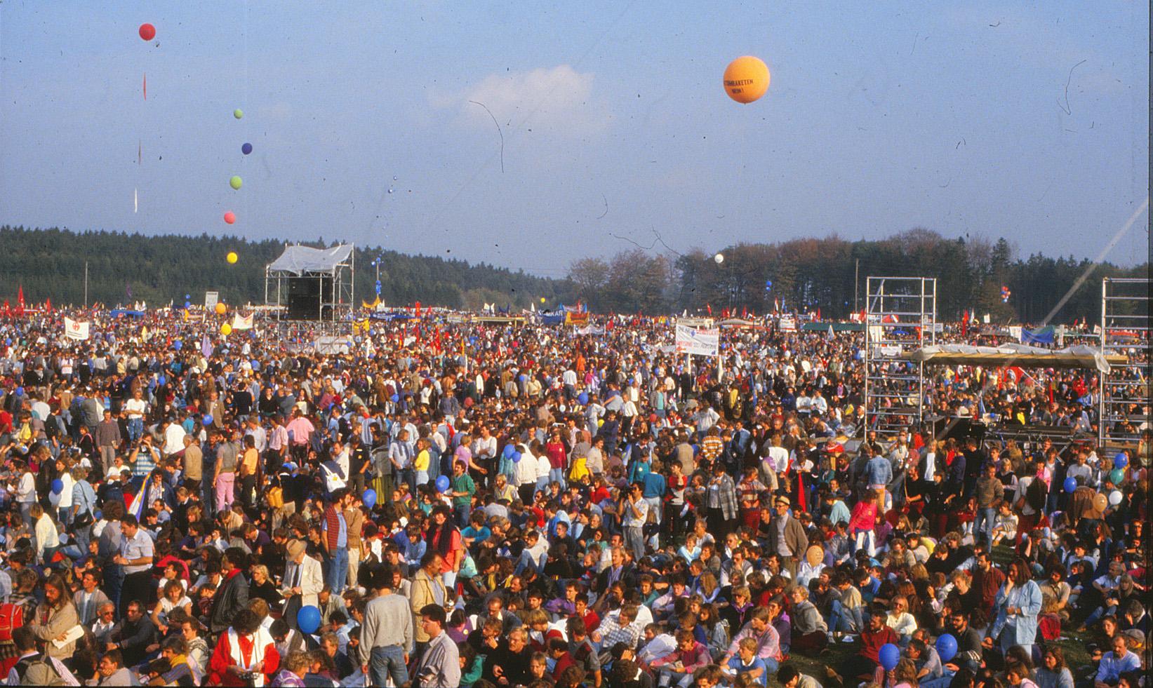 2008  Magister Arbeit von Matthias Kargerbauer: Die Friedensbewegung in Rheinland-Pfalz