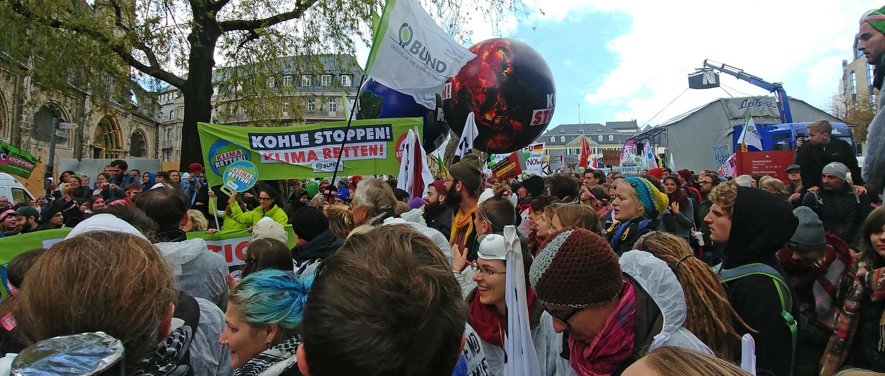 Demo in Bonn: Rote Linie gegen Kohle